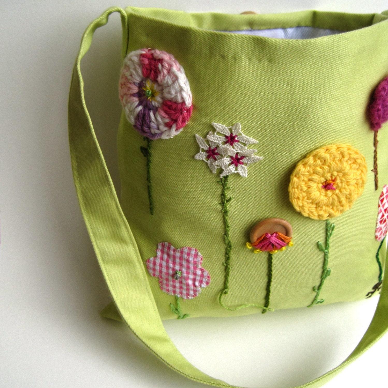 organic kids messenger bag / hope springs green