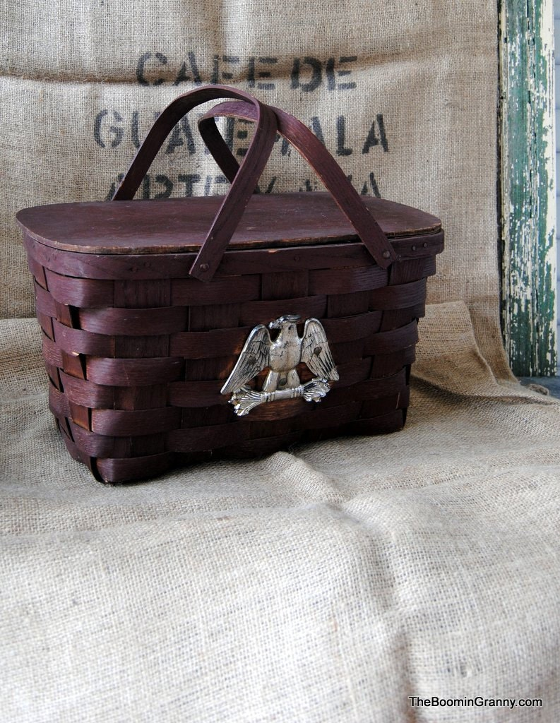 Vintage Americana Picnic style Basket - TheBoominGranny