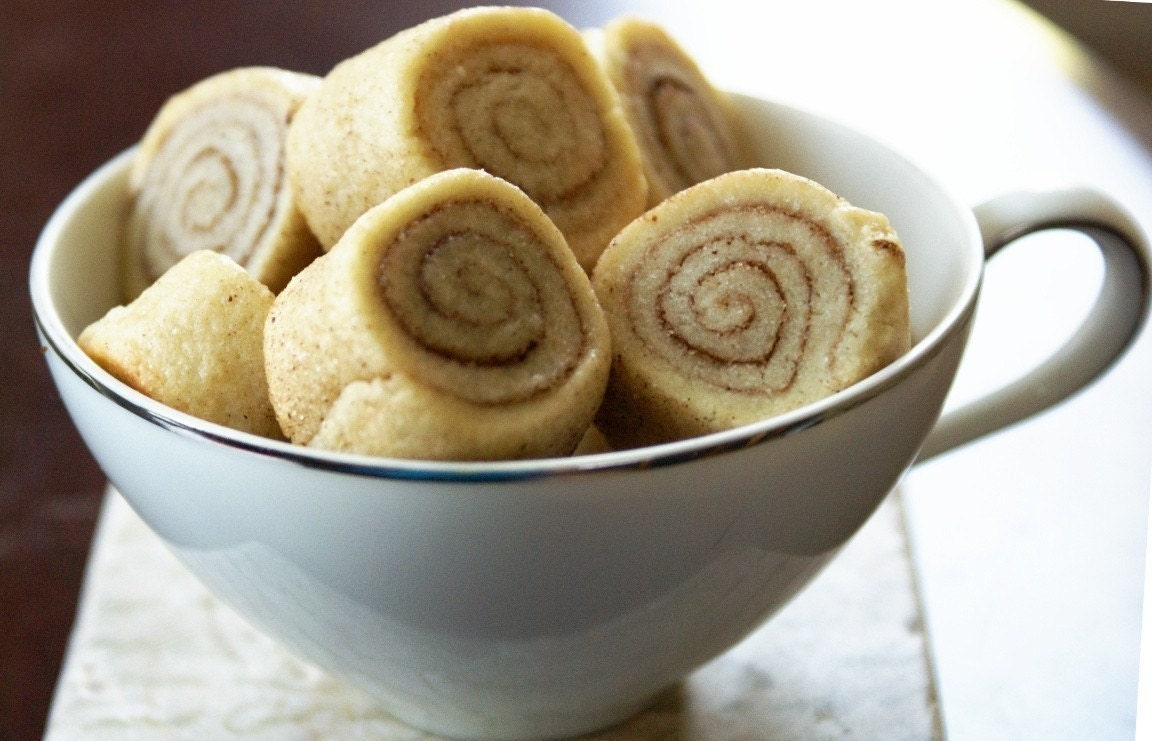 Super Moist Cinnamon and Sugar Pinwheel Snickerdoodle Lil' Chubbies-18 Cookies