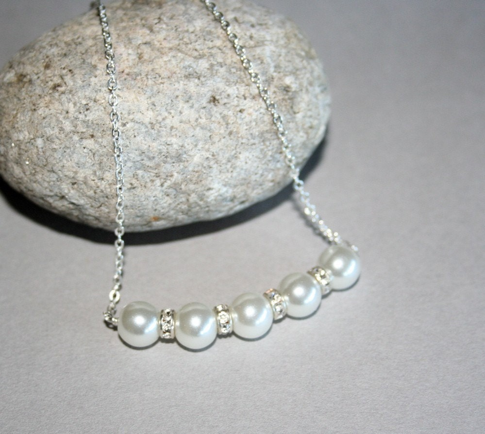 White Pearl Necklace and Earrings Set by smilesophie on Etsy