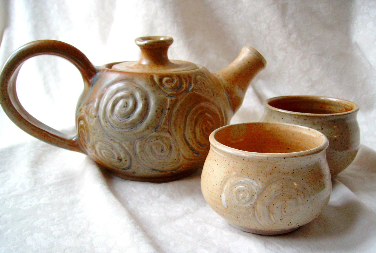 Shino Swirls Teapot with Cups