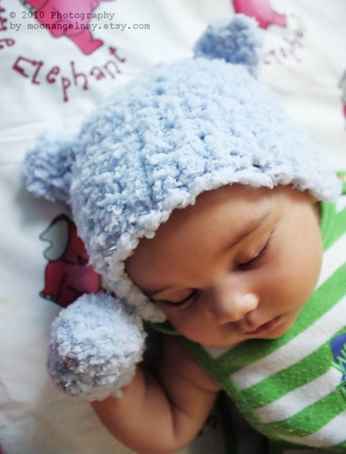 Bulky-Yarn Baby Hat, Scarf, and Mittens: Free Beginner's Crochet