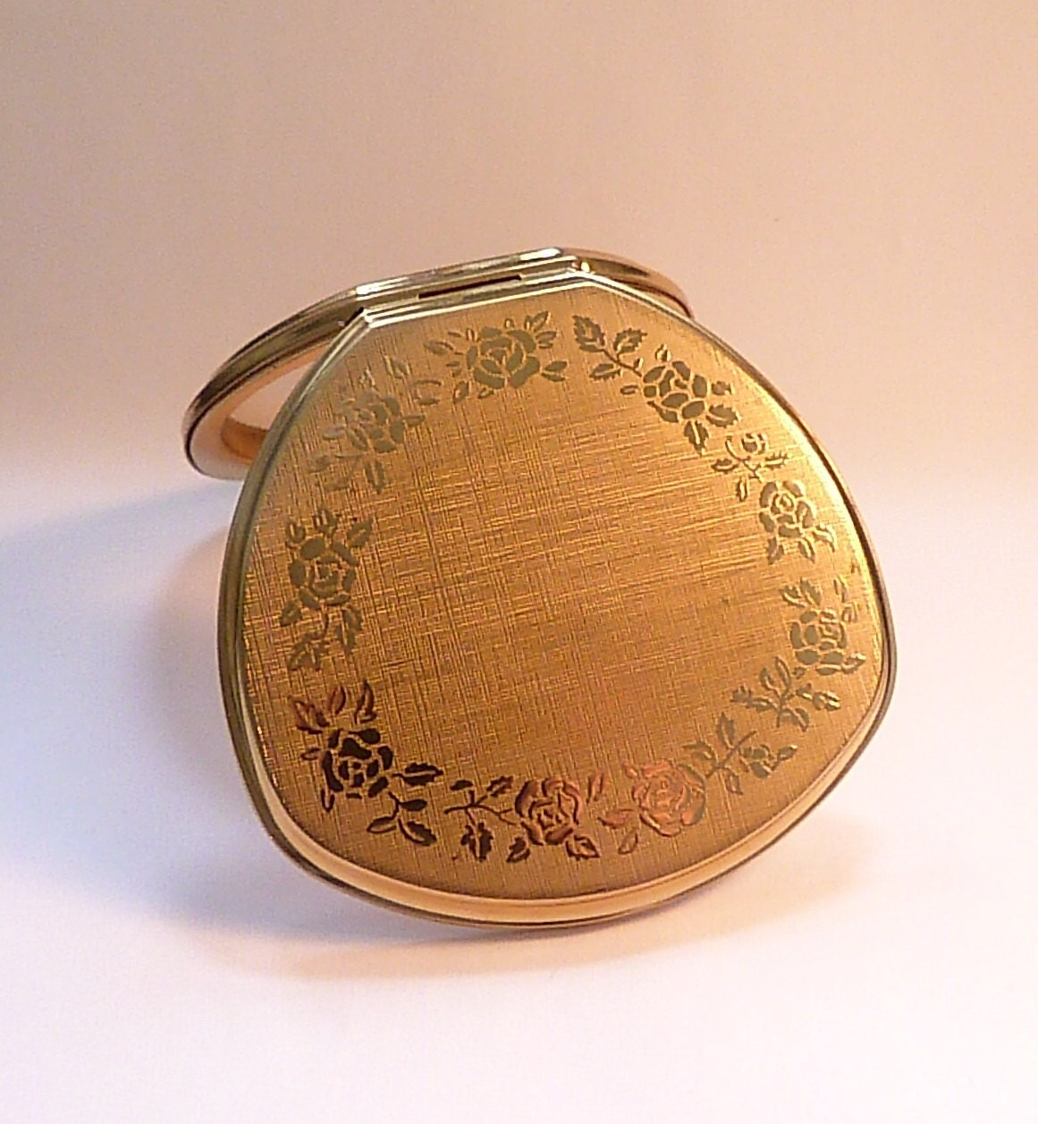 Vintage Stratton powder compacts compact mirrors retro bridesmaids gifts SHELL CONVERTIBLE compact