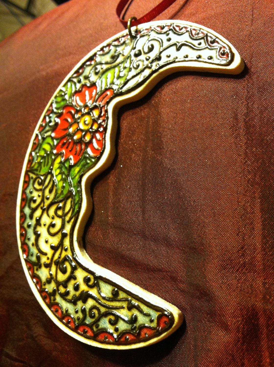 Henna on wood ornament 'crescent moon'