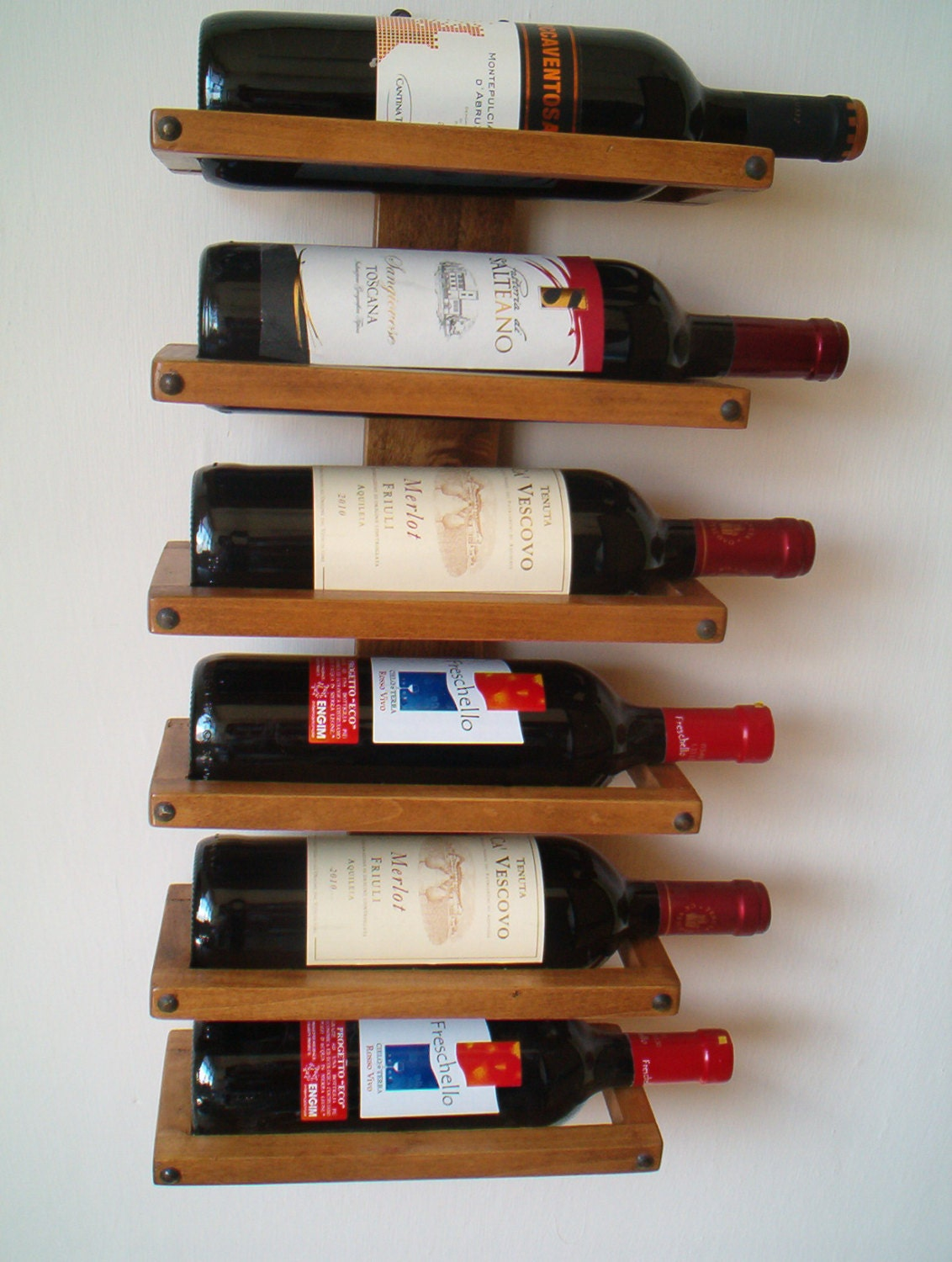 Wall wine rack - ChipsOfFantasy