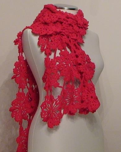 Red Daisy Rectangular Shawl