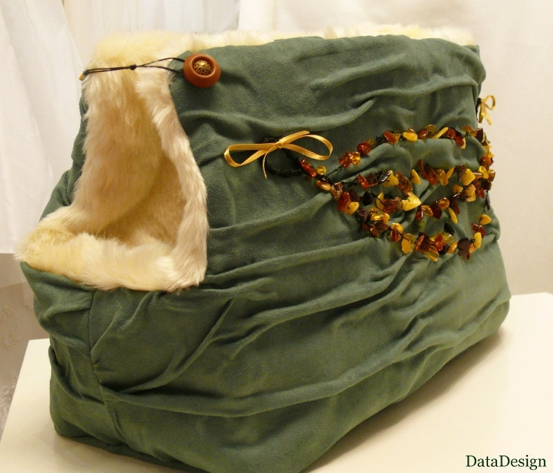Amber - Treasure of the Baltic Sea Emerald Dog Carrier Bag with Natural Baltic Amber OOAK - DataDesignBoutique
