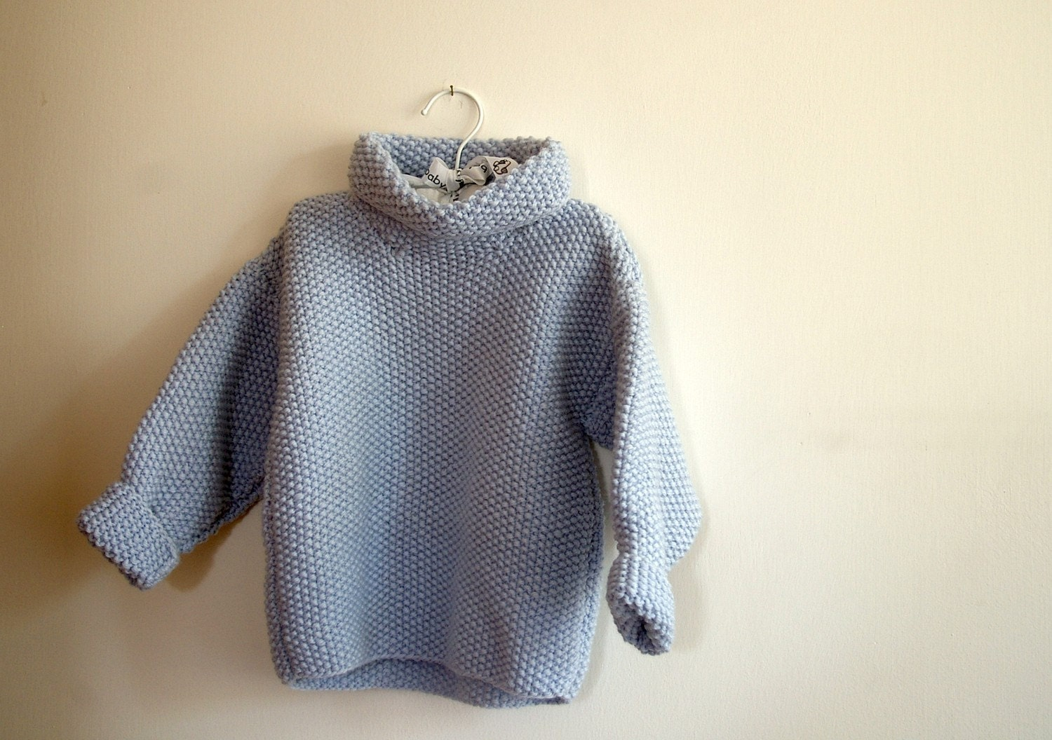 Light blue sweater size 2/3 years old
