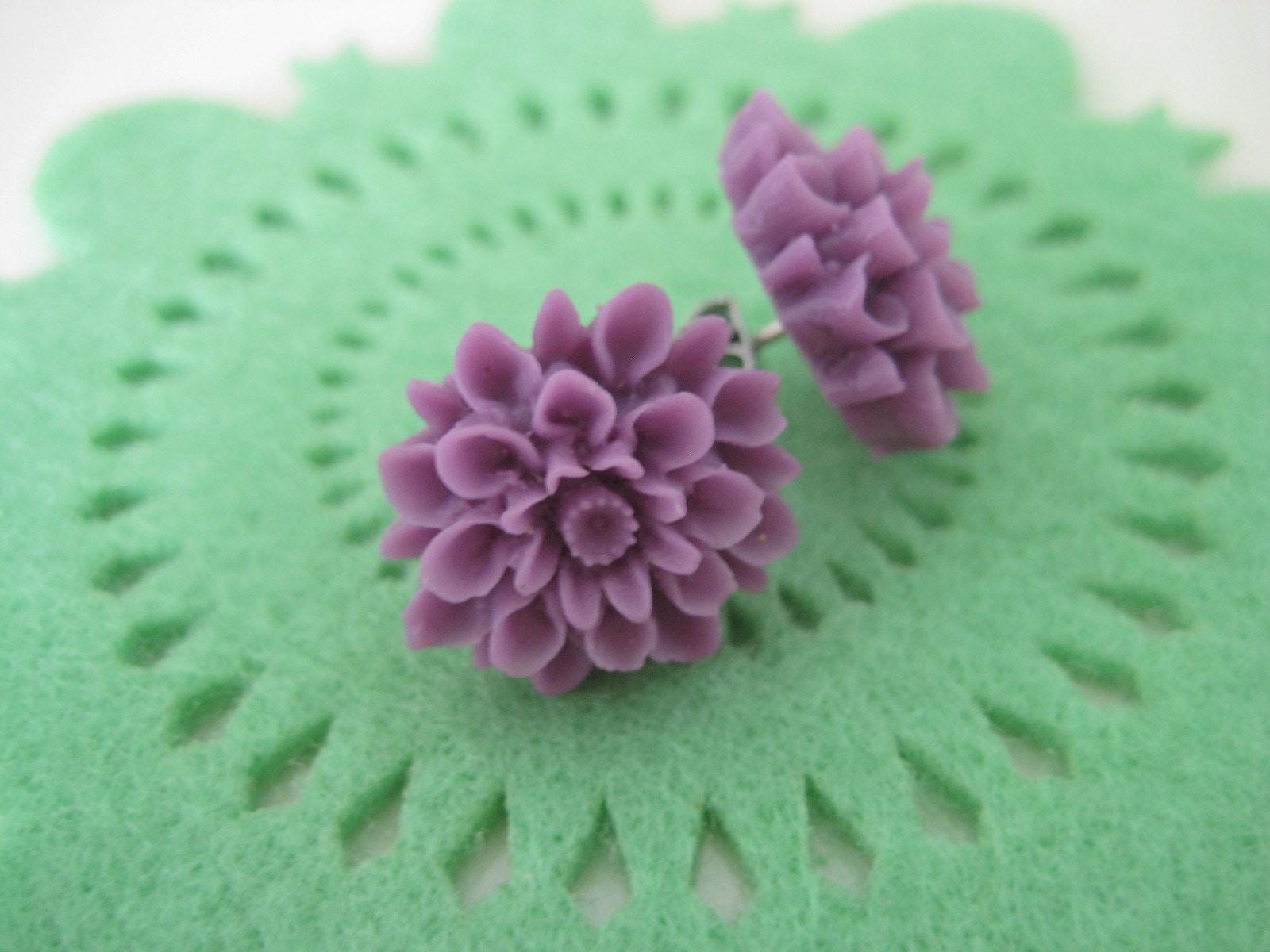 SALE Purple chrysanthemum earring studs