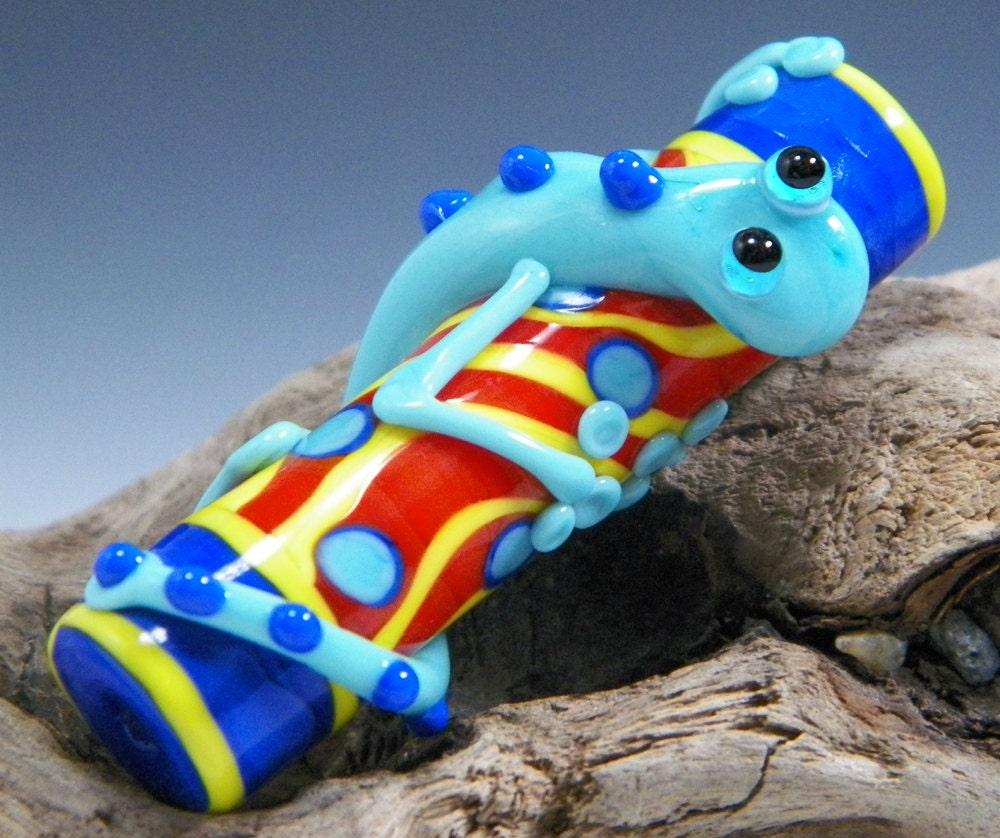 SALE:  Adorable Large Lampwork Turquoise Blue Lizard on Red, Yellow and Blue Barrel Focal Bead by Starlight Designs - starlightdesigns