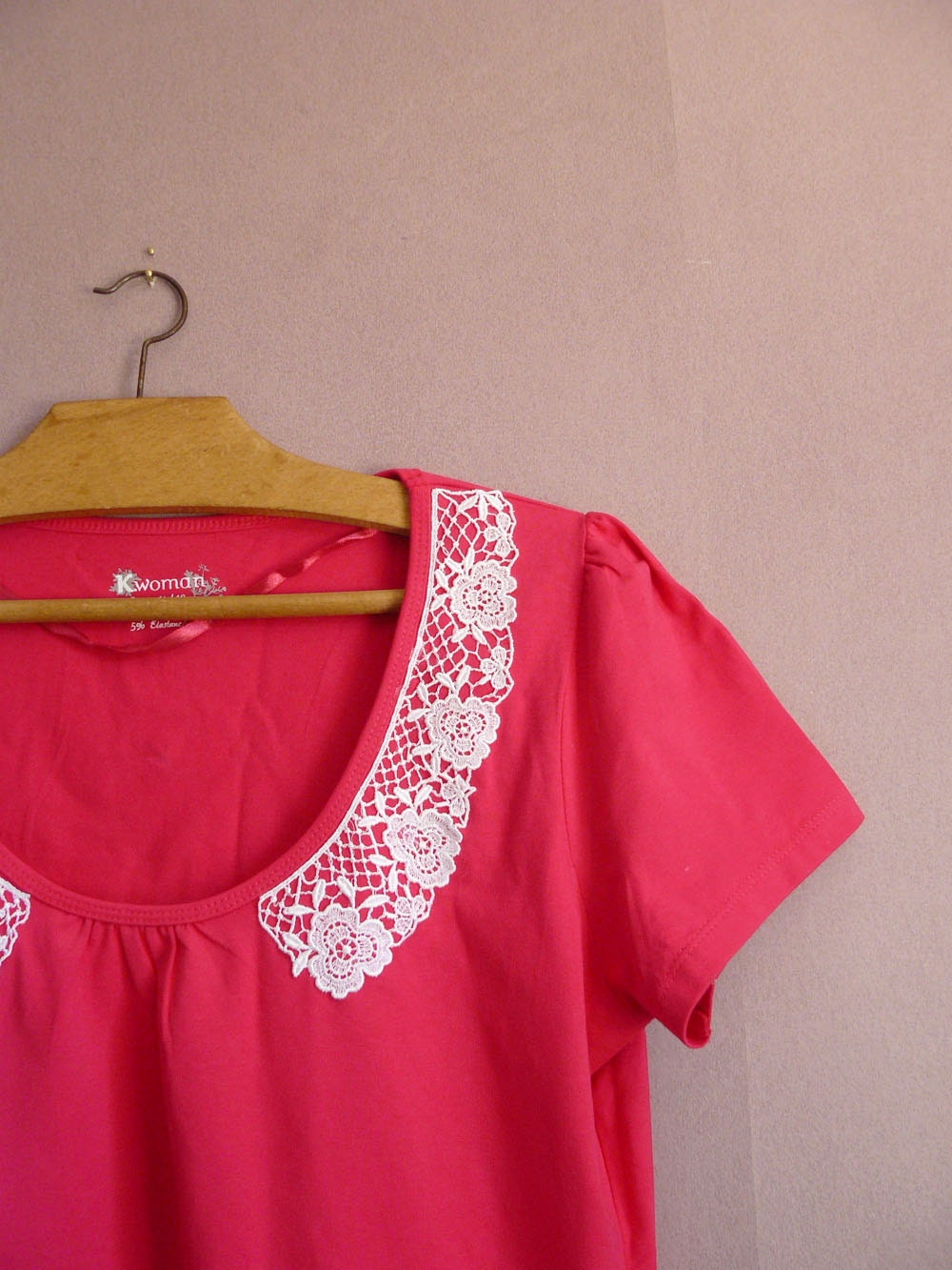 EMBRASSEZ MOI blouse in raspberry pink size S, M, L or XL