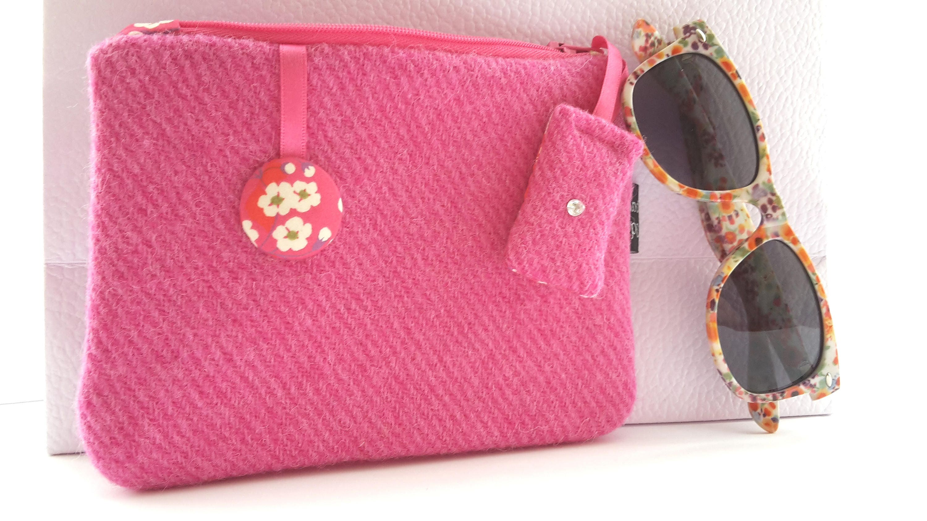 Harris Tweed Fuchsia Pink Purse with Liberty of London Mitsi Print Lining
