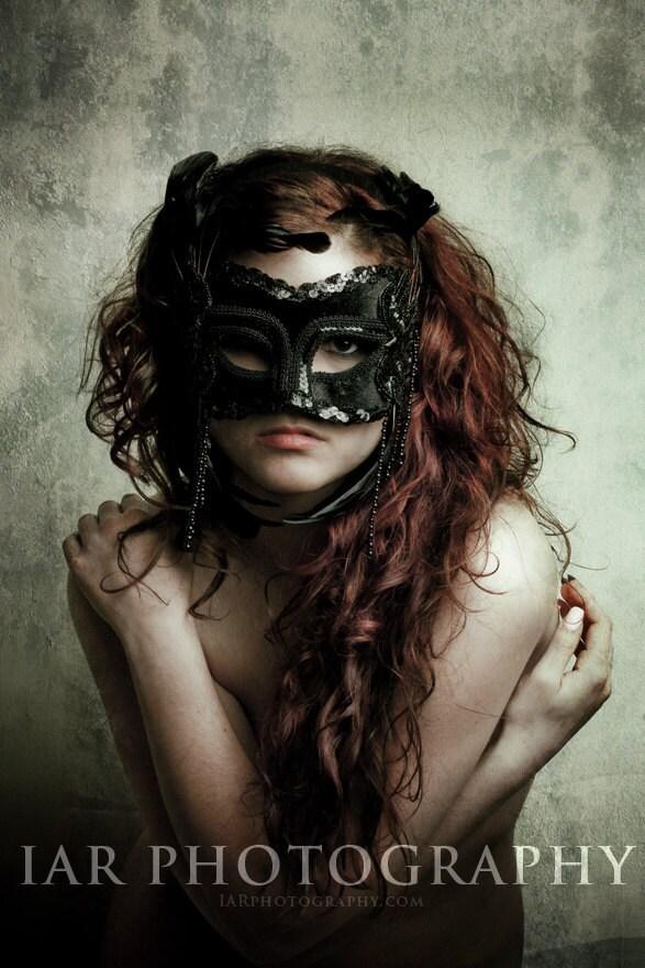 "Z402 - Black Mask - Grunge - Fine Art  Nude Photo Print 8""x12"""