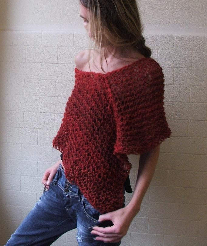Luxury fibre poncho in Red.