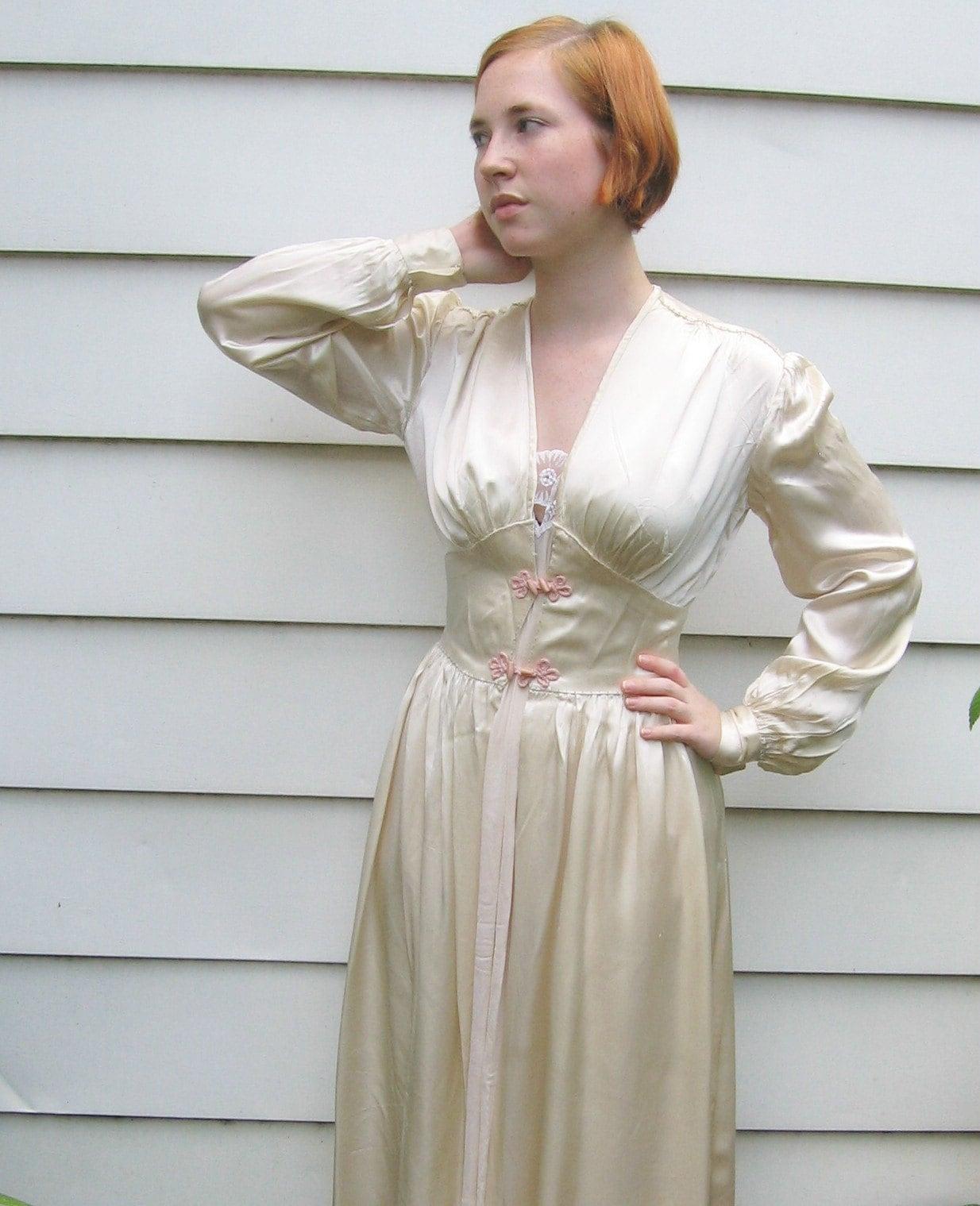 Vintage Glamour Satin Robe 1940s By Vintagous On Etsy