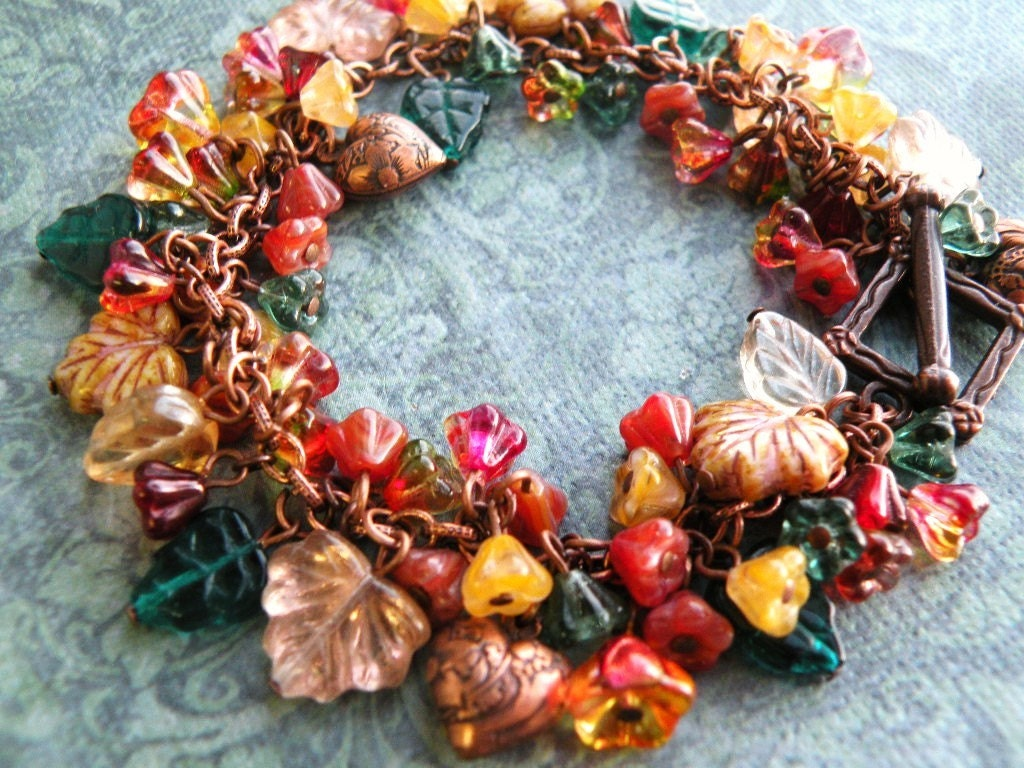 Treasure of Ceres - Floral Charm Bracelet