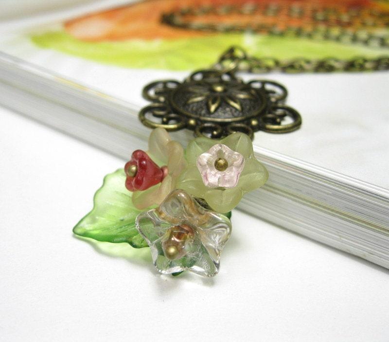 Floral Leaf Cluster, Woodland Nature Necklace