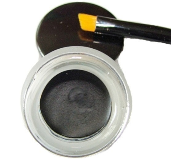 This unique gel eyeliner is an