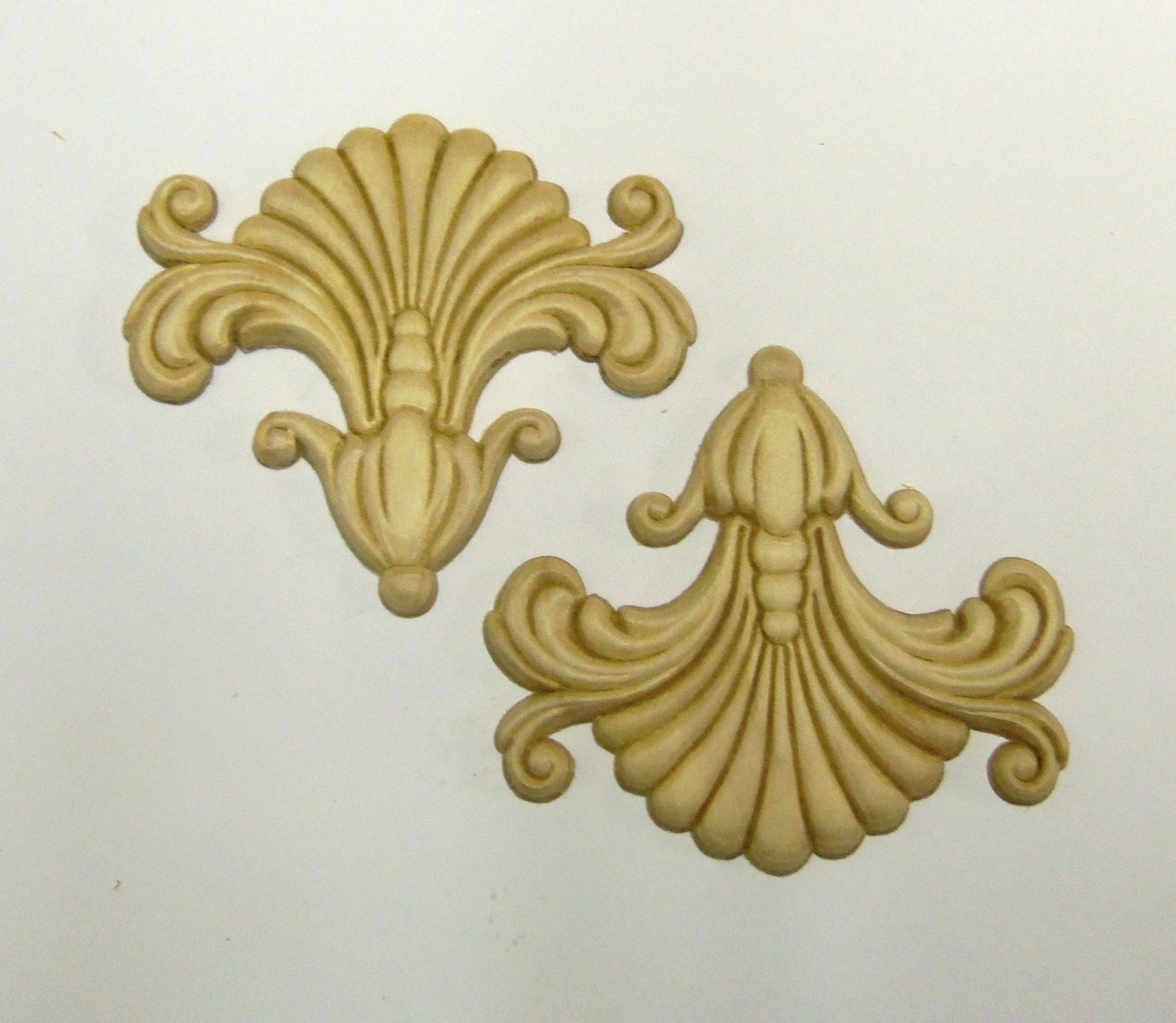 Wood Appliques lays Set of 2 Birch Embossed by prettyware