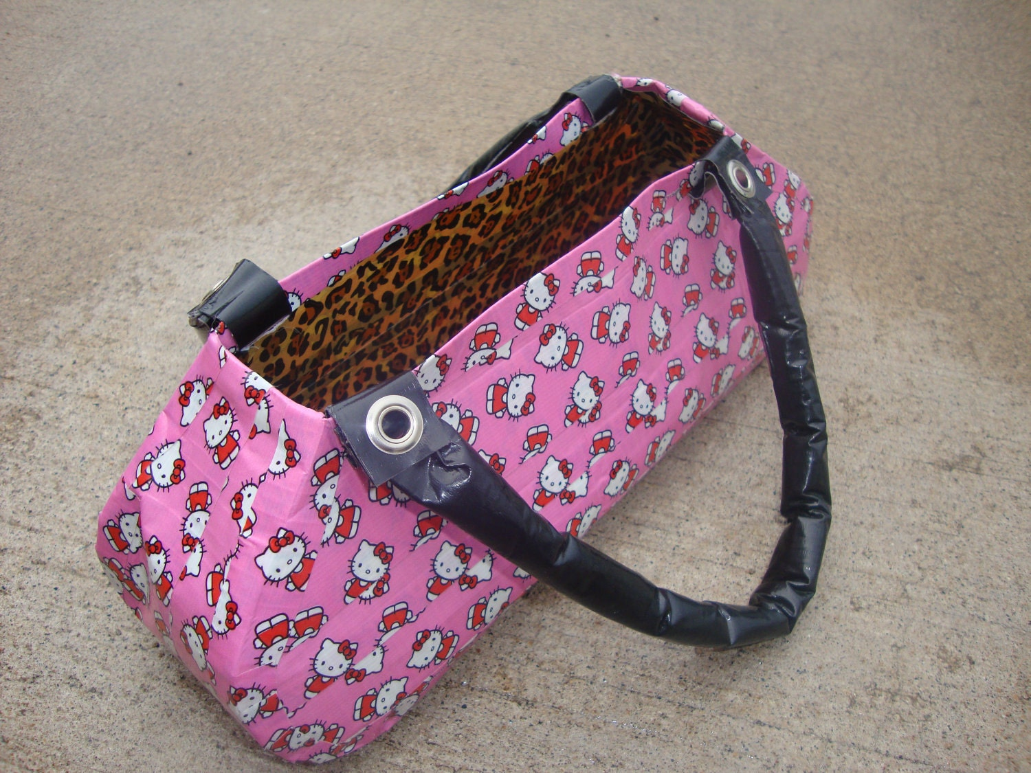 Hello Kitty duct tape purse/hand bag