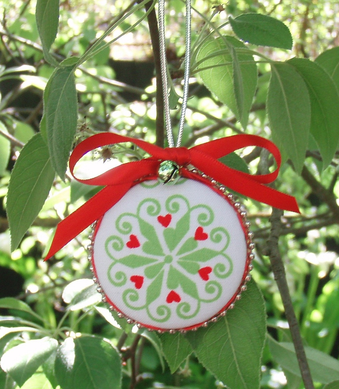 Christmas Button Decoration Baubles, DIY KITwith Size 75 (45mm Buttons) - AUSTRALIA