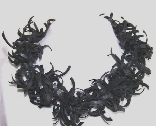 Oh dear, I had a flat tyre... Amazing Upcycled innertube Necklace