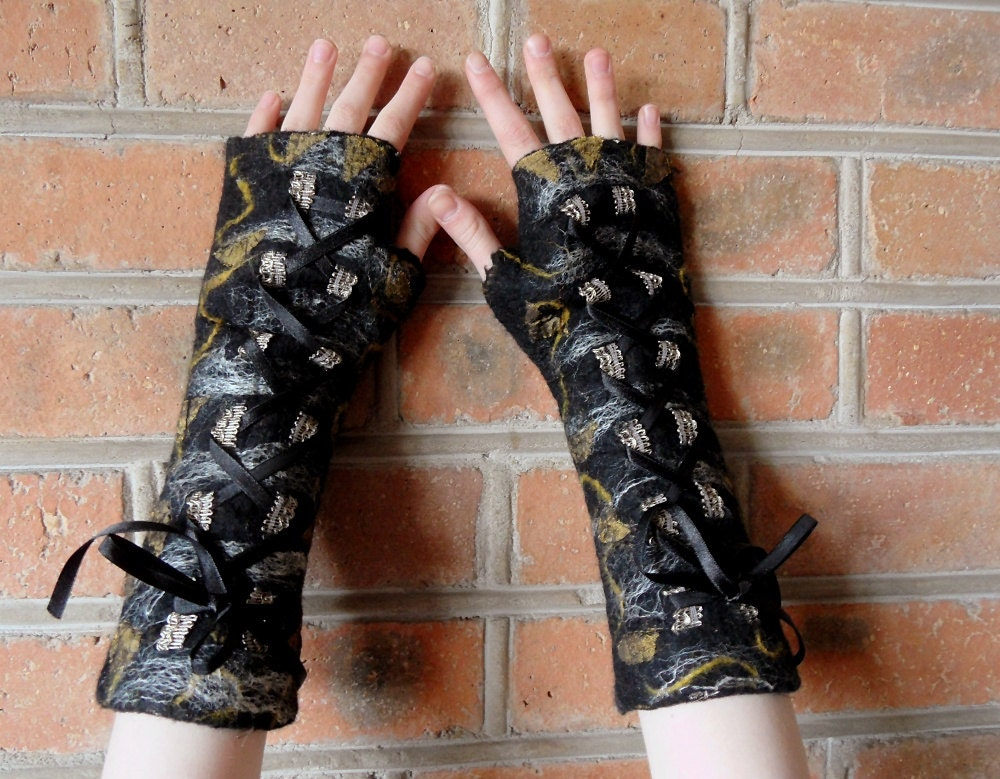 Felted fingerless mittens, steampunk, gothic long corset laced up arm warmers, black. OOAK - filcAlki