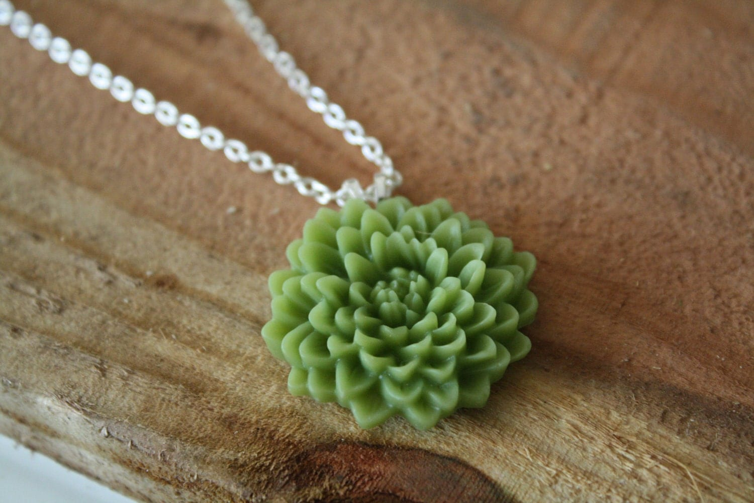 JADE - Chrysanthemum Cabochon Pendant Necklace on a Silver Chain