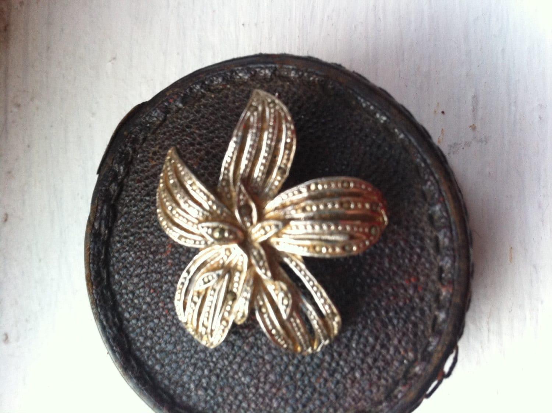 Beautiful 50s marcasite rhinestone flower antique vintage brooch retro jewellery jewelry paste