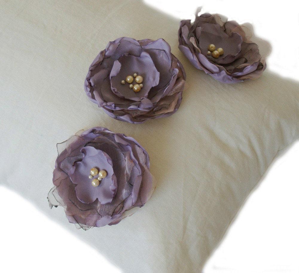 Лен Крем и сирень цветы Подушка