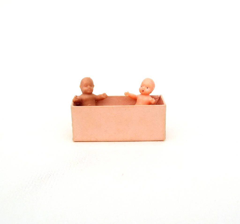 Two Miniature Baby Dolls approx 124th scale Tiny dollshouse toy babies Room box diorama figurines