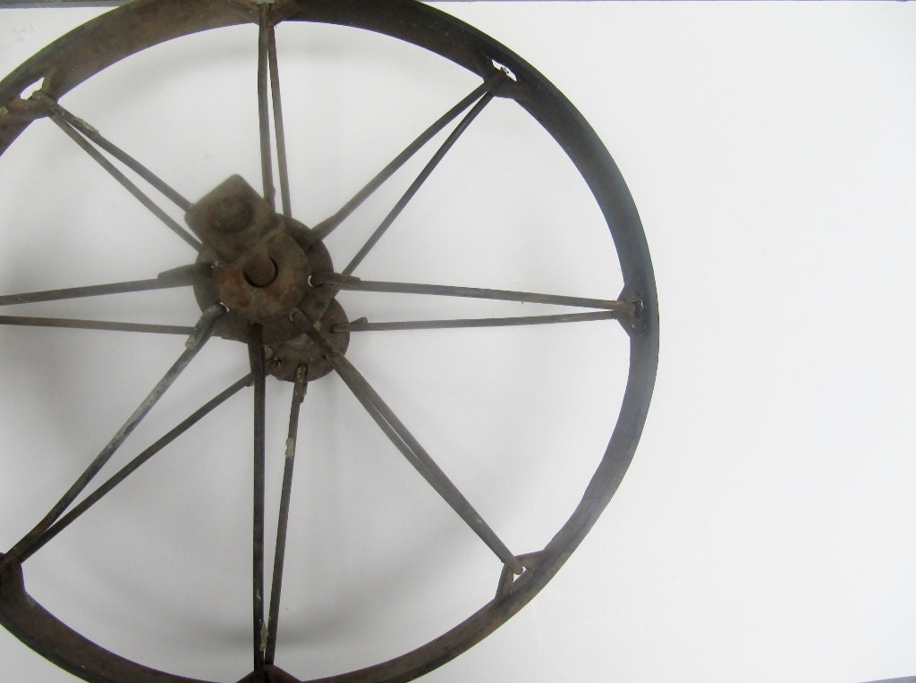Metal Rustic Industrial Wheel with Spokes - Modred12