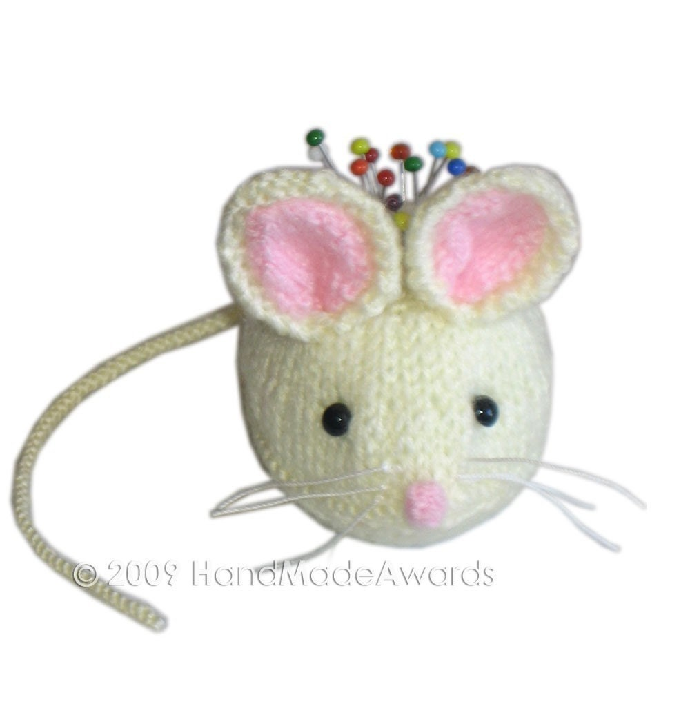 THE  WHITE MOUSE PINCUSHION Pdf EMAIL KNIT PATTERN