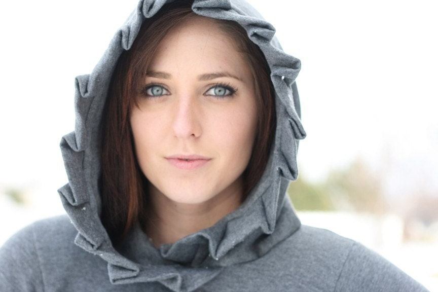 Oversized hood sweatshirt with fabric detail