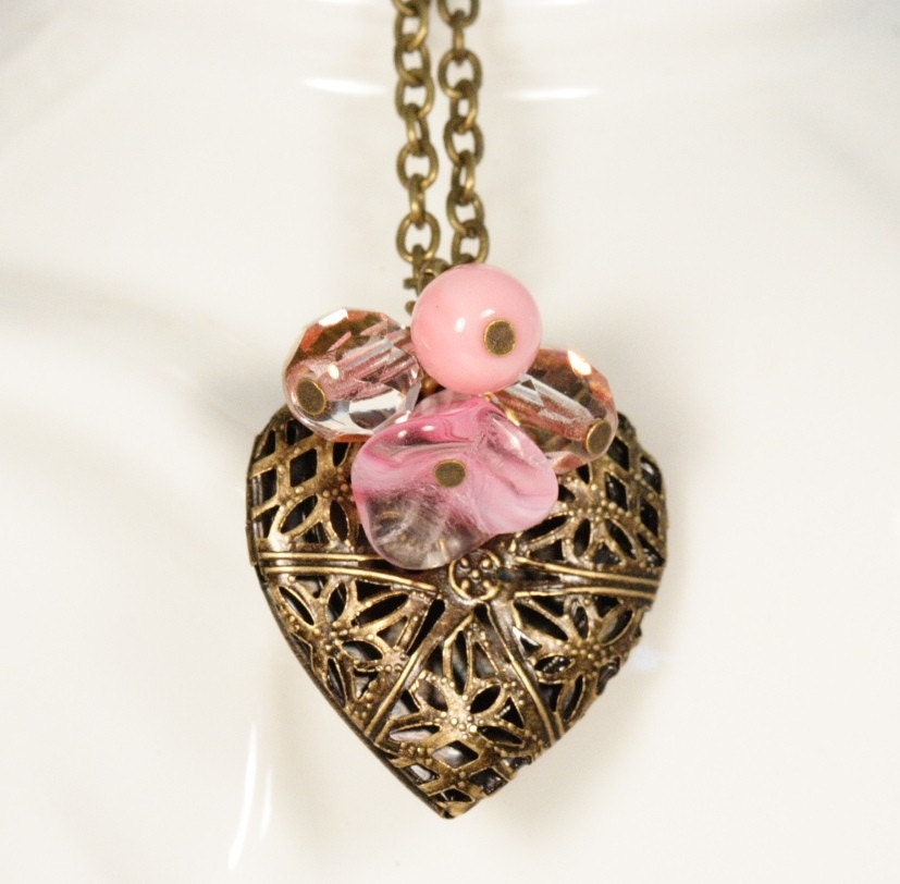 Sweetheart Locket Necklace - Pink