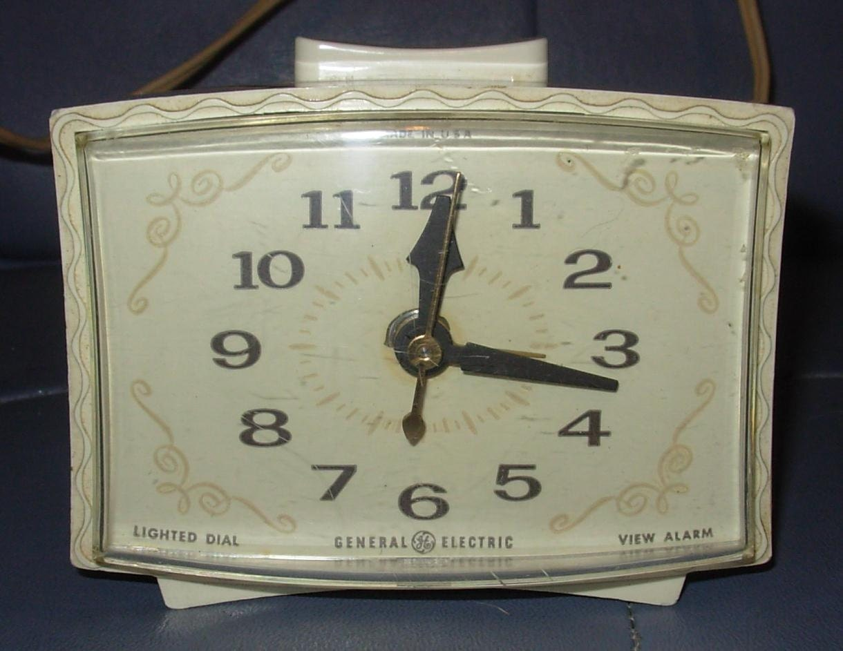 vintage general electric 60 39 s bedroom alarm clock by