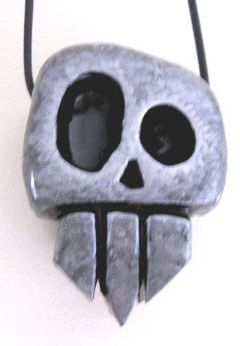 Goofy fun vampire skull pendant ebsq