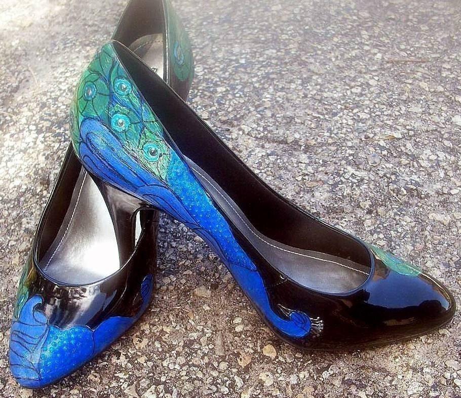 Shoes Peacock Art Deco painted Black patent  Pumps,TONI