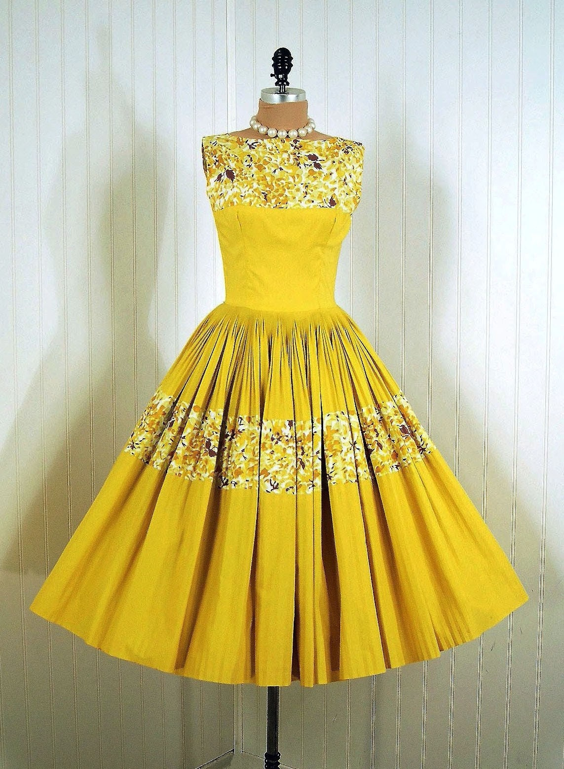 1950's Vintage Suzy Perette Designer Couture Yellow-Floral Garden Bombshell Pleated Circle-Skirt Party Sun Dress