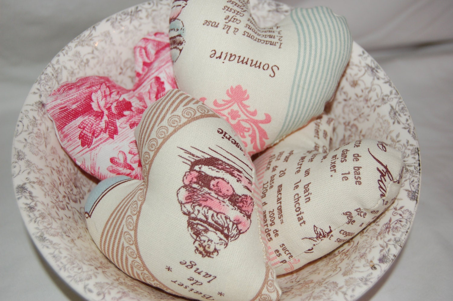 3 French Wedding HEARTS Bowl Filler Decoration - Shabby Chic Vintage Style - made in France - mountainlodge