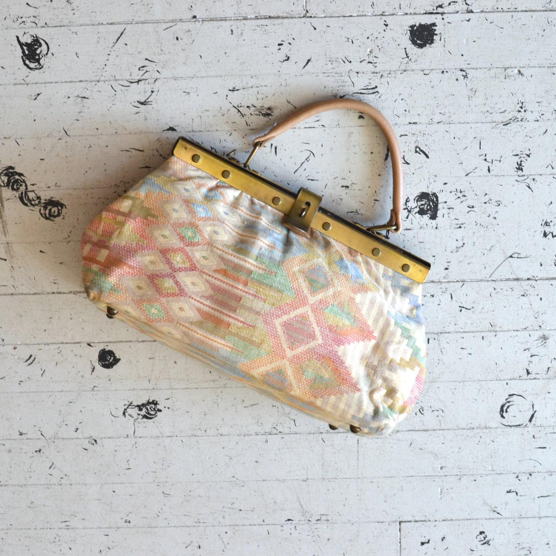 kilim bag / pastel kilim purse / Taksim handbag - DearGolden