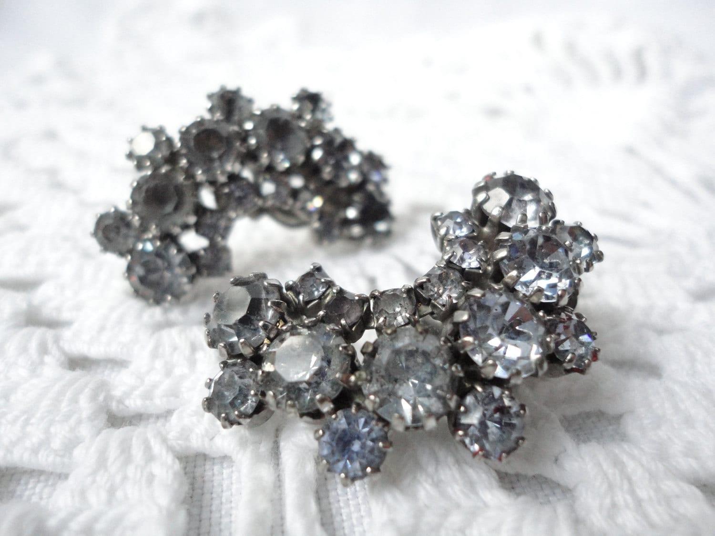 Gray Blue Rhinestone Vintage Earrings Clip on Silver Rainbow