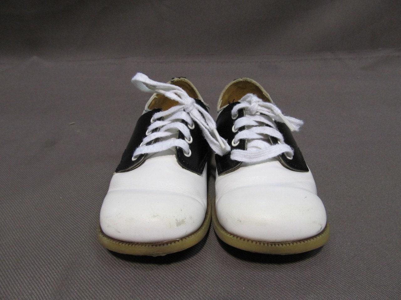 Vintage 1950s White Black Buster Brown Minnow SADDLE SHOES Original Box - FatherJoesVillages