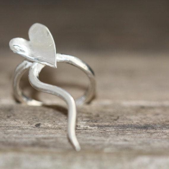 Pretty Wild Silver Heart Ring - DMLJewelleryDesign
