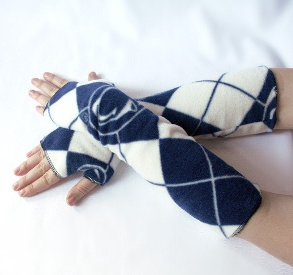 argyle armwarmers made from PENN STATE NITTANY LIONS fleece