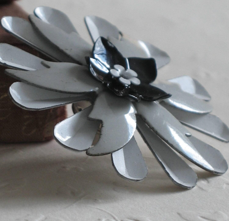 MonoChrome - A Metal Flower Lapel Pin