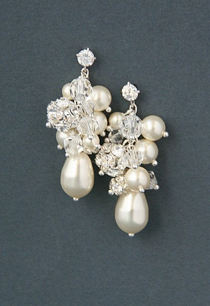 Bridal cluster cascade earrings.  Swarovski crystal pearl  wedding bridal earrings - Penelope collection