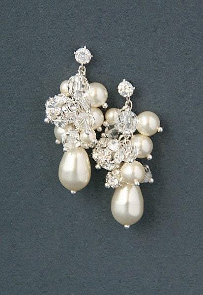 Bridal cluster cascade earrings.  Swarovski crystal pearl  wedding bridal earrings - Penelope collection