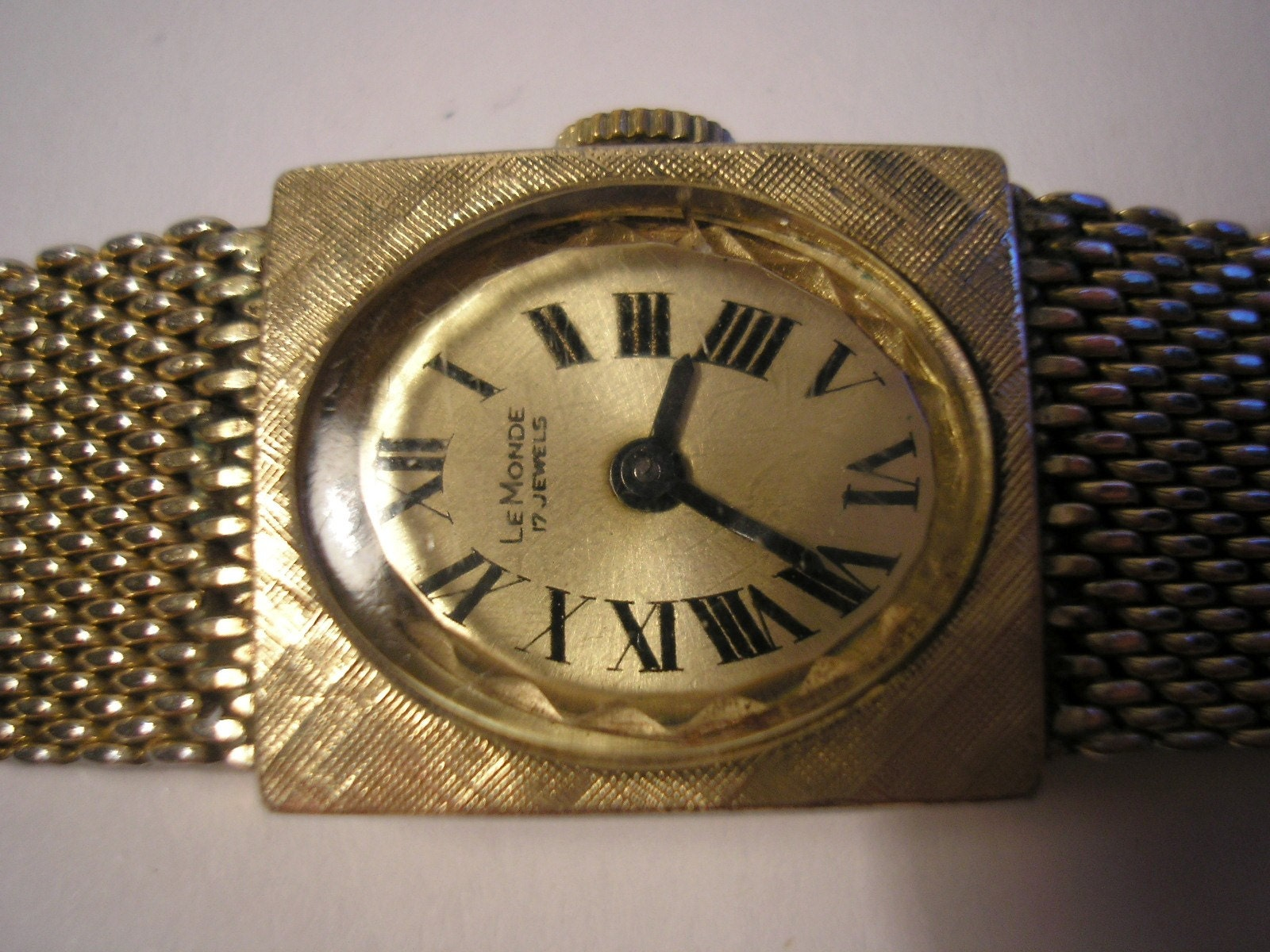 Vintage mechanical women hand watch Le Monde 17 by craftforyou