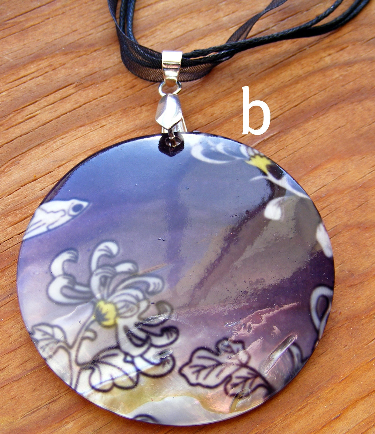 Necklace Large Shell Pendant